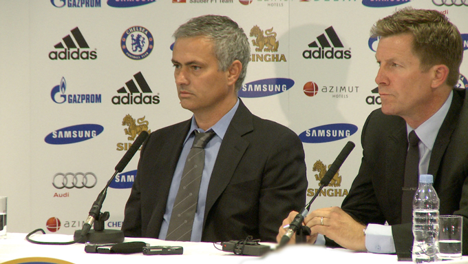 Mourinho back in the spotlight at Stamford Bridge