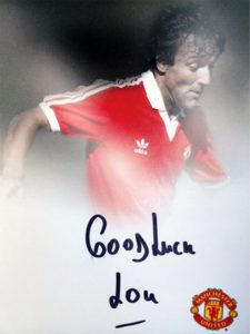Lou Macari: signed good luck Lou