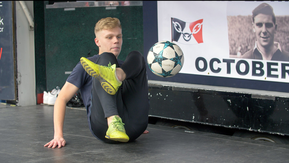Duncan Edwards Foundation ambassador Ewan Baggott performs on stage. Photo copyright John Gubba