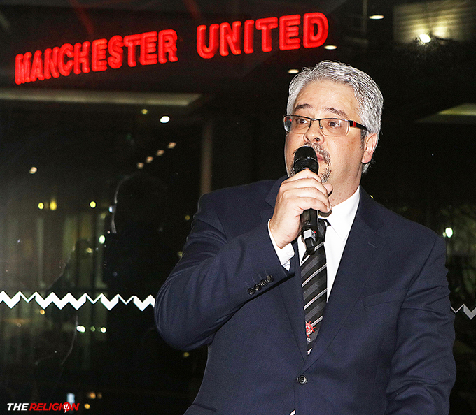 MUSC Malta President Joseph Tedesco address a star-studded audience at the Gala Dinner to celebrate the 60th anniversary of the world's oldest Manchester United Supporters Club.