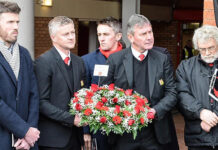 Ole Gunnar Solskjaer and Bryan Robson ready to lay Munich wreath in 2019